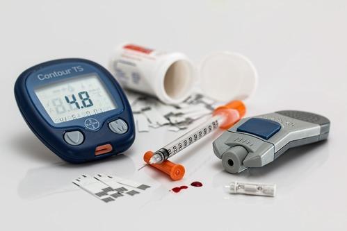 Matériel qui permet de mesurer le taux de glycémie pour des personnes diabétiques